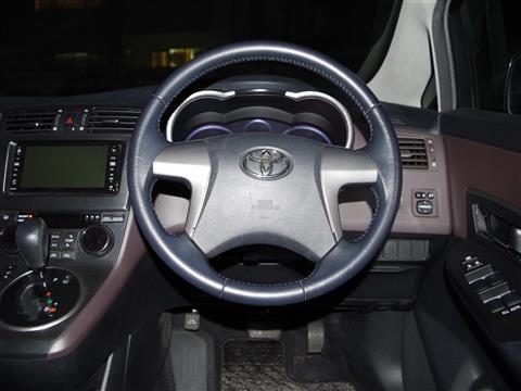 トヨタ マークX ジオ