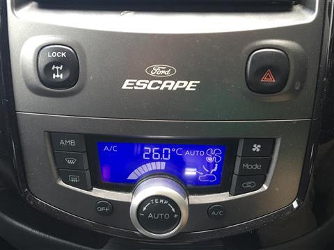 フォード フォード エスケープ