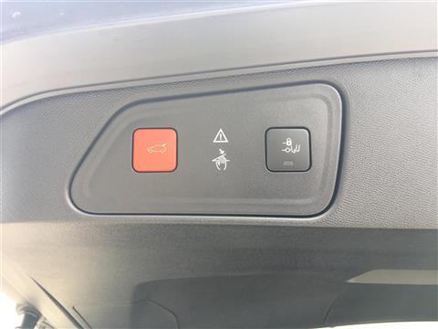 3008,GT ブルーHDi,ペルラ・ネラ・ブラック