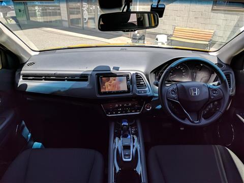 ヴェゼル,特別仕様車ハイブリッドX・ホンダセンシング ブリリアントスタイルエディション