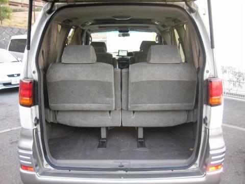 ホーミーエルグランド,X ラウンジパッケージ装着車,ホワイトパール(3P)/ウォームシルバー(M)(スーパーファインハードコート)