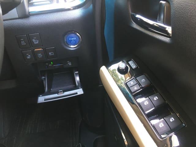 H27(2015年式) トヨタ ヴェルファイア ハイブリット V Lエディション